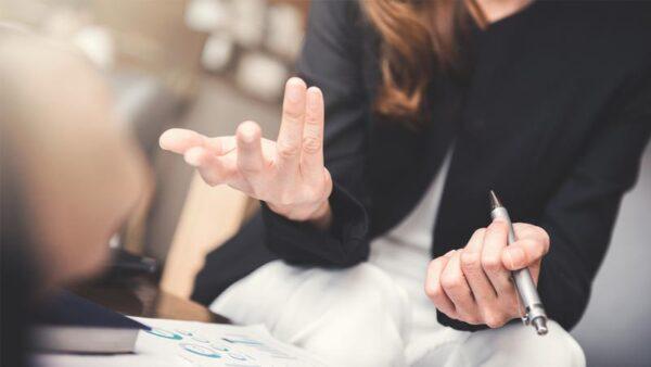 Konuşurken Neden Ellerimizi Kullanırız